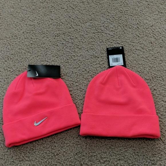 33a8f21db Nike Tobbogin (hot pink) NWT